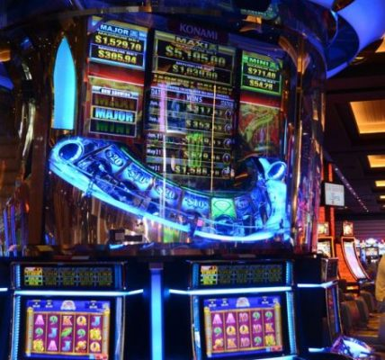 What Online Casino Specialists Don't Want You To Know